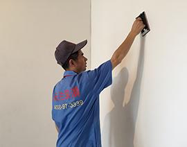墙面滚刷涂料前打磨