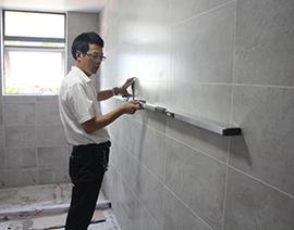 墙面瓷砖平整度检查
