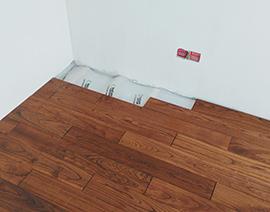 地面安装实木地板