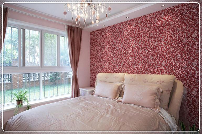 案例赏析|精选卧室装修风格   2,这套装修效果图体现了不同颜色的墙纸