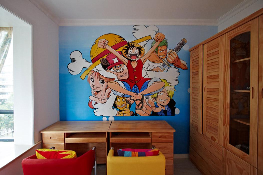 动漫壁画,原木家具组成的书房,是年轻业主所钟爱的,给人青春活泼动感的印象。