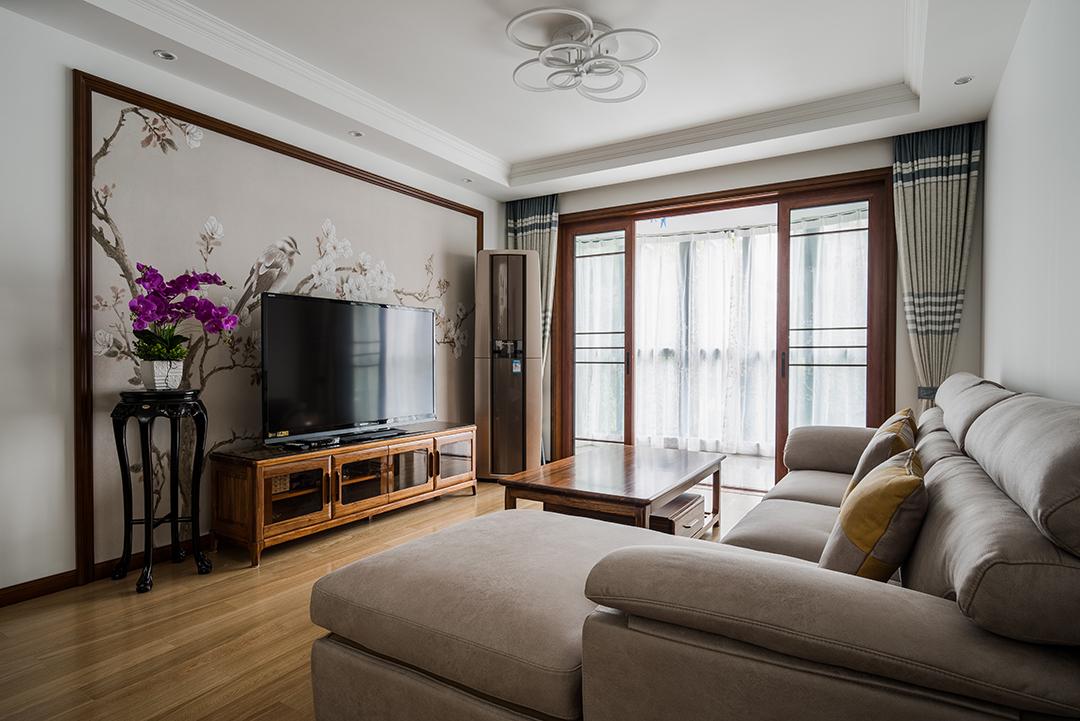永巍公寓100平方米广中路618号两房两厅翻新装潢新中式